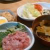 大好きマグロ丼と大根煮物
