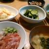 マグロ丼と茄子の味噌炒め