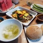 小松菜と春雨の炒め物と胡椒餅