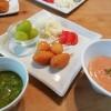 アメリカンドッグと小松菜スムージーの朝ごはん