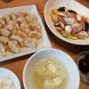白菜の炒め物と一口餃子
