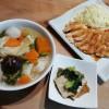 ほうとう、チキン照り焼き、小松菜煮びたしの夕ごはん