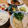 小鉢3種と鶏肉のフォー