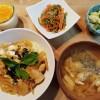 親子丼とピーマンきんぴら、チーズプリン