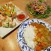 カレーライスとジャーサラダ&春巻きサラダ