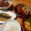 根菜の煮物と秋刀魚の蒲焼き