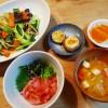 野菜炒めとマグロ丼