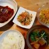 サバの味噌煮、高野豆腐の炒り煮、せん切り野菜のサラダの献立