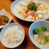 豆腐とカニカマの卵あんかけ、キャベツと肉団子のスープ