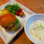 ハンバーガー&マッシュルームのスープ