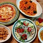 トマトソーススパゲッティ&ピザ