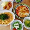 明太子スパゲッティとピザ