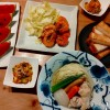 キャベツと鶏手羽元のスープ、ガーリックシュリンプ