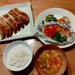 鮭のホイル焼き、白ナスのガーリック醬油焼き